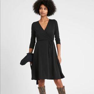 Banana Republic wrap dress. Size 8.